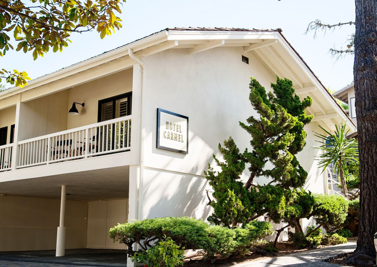 Hotel Carmel on San Carlos in Carmel by the Sea CA village 93921 near pubs and restaurants